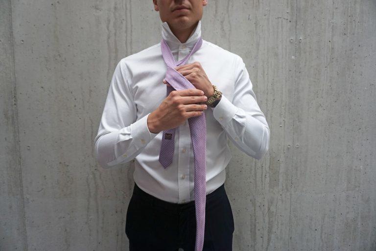 Cómo anudar una corbata y estar perfecto en cualquier evento