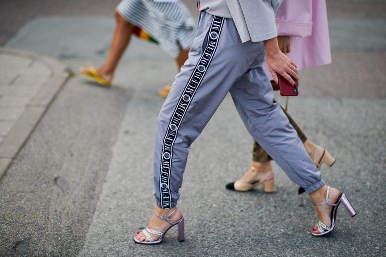 5 zapatos violeta que necesitas en tu armario