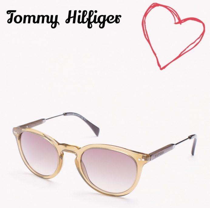3461e248328 Amor a primera vista  gafas de sol Tommy Hilfiger