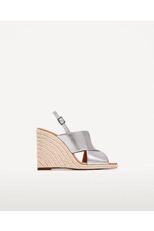 Zapatos Cuñas de mujer Zara outlet online ¡Compara 11 productos y ... 20380527a9b