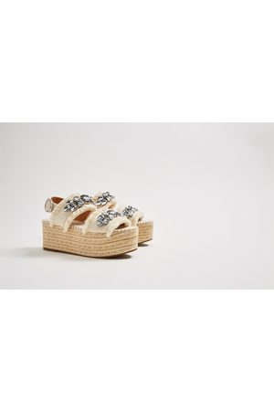 comprar oficial más vendido comprar nuevo Baratas: Zapatos Cuñas de mujer Zara en Rebajas?. ¡Compara ...