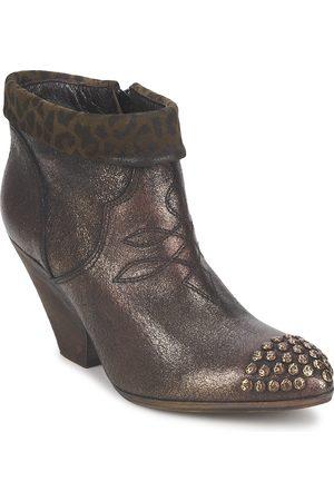 Strategia Boots AILLA para mujer