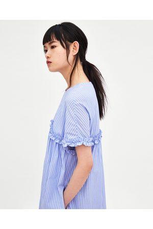 Comprar rebajas en Zara online Tanto hombres como mujeres y niños disponen de rebajas en moda en Zara. Existen muchos chollos y saldos a buscar por internet, ya no sólo en las tiendas físicas, para aprovechar el periodo de rebajas.