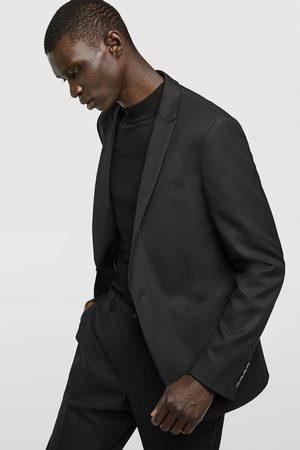 Trajes de hombre Zara online. ¡Compara 349 productos y compra! 3918e516469