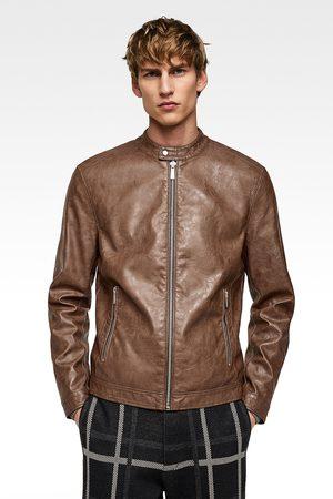 Chaquetas De Cuero de hombre comprar Zara.   75 productos. Hombre  De cuero   Zara. Zara CAZADORA EFECTO PIEL 340d10fdc5c