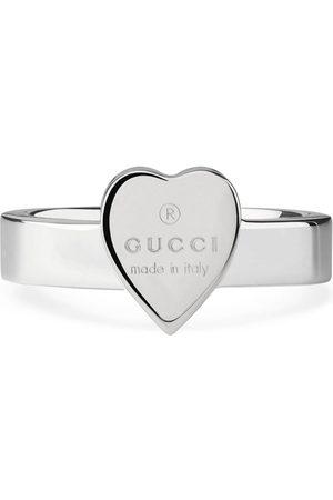 Gucci Anillo de corazón con emblema
