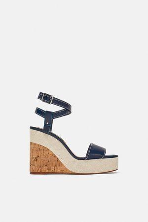 99e03f79fdff7 Zapatos Cuñas de mujer Zara outlet online ¡Compara 6 productos y ...