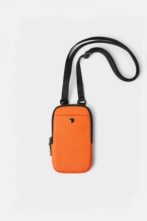 Zara Funda porta teléfono básica