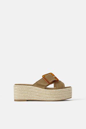 ebb8cf14 Zapatos Cuñas de mujer Zara outlet ¡Compara 131 productos y compra ahora al  mejor precio!