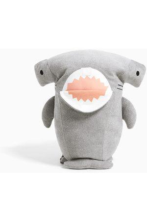 Zara Mochila tiburón