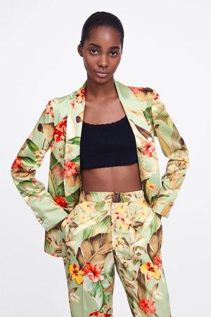 9335dc4fa8b 1.000 productos. Mujer  Abrigos y Chaquetas  Zara. Zara Blazer estampado  floral