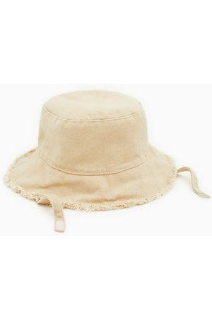 Zara Sombrero denim deslfecado