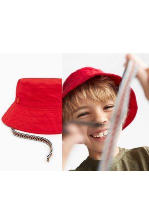 Zara Sombrero cordones estampado