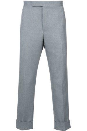 Thom Browne Pantalones clásicos con correa en la parte posterior