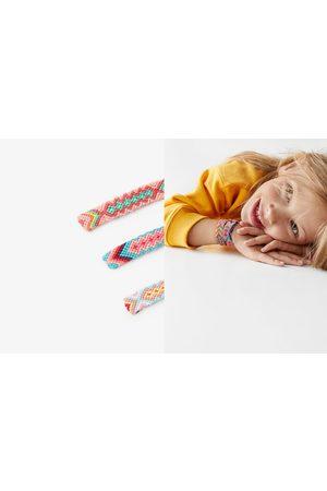 Zara Pack tres pulseras hilo trenzado