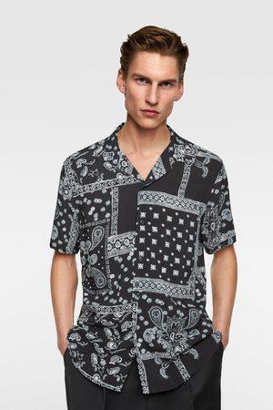 nuevo estilo nuevas imágenes de colores y llamativos Camisa estampación bandana