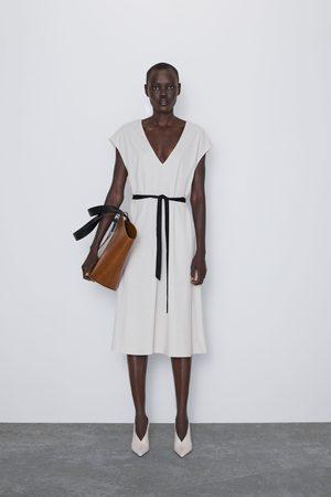 Zara Mujer Midi - Vestido midi cinturón