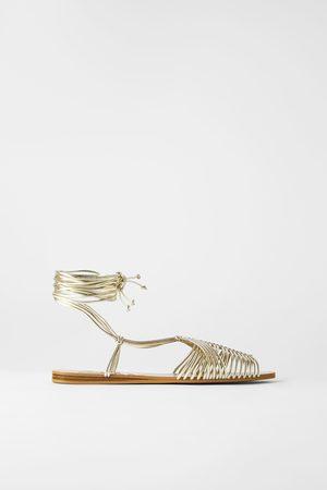 Zara Mujer Sandalias - Sandalia plana cangrejera tiras tubulares
