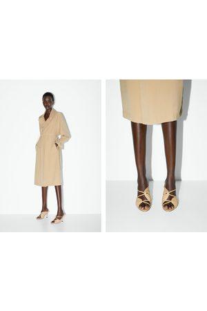 Zara Mujer Sandalias - Sandalia tacón piel fruncida