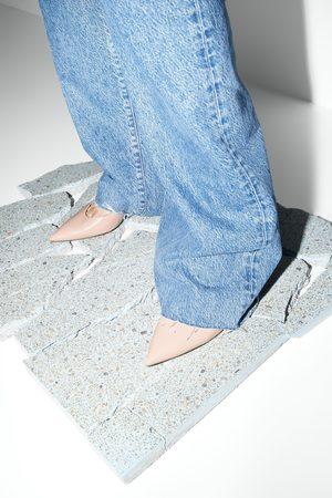 Zara Zapato tacón medio piel destalonado