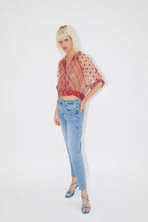 Zara Mujer Estampadas - Camisa cropped estampada