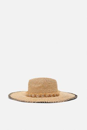 Zara Sombrero conchas