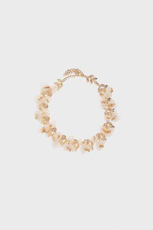 Zara Collar flores edición especial