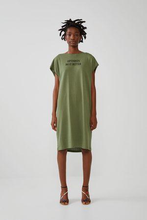 Zara Mujer Estampados - Vestido estampado texto frontal