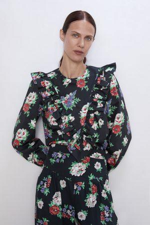 6178900db Blusa estampado floral volante