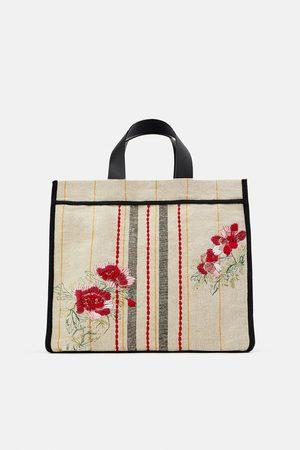 Zara Bolso shopper tejido bordado