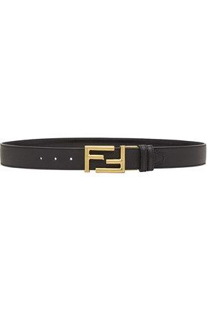 Fendi Cinturón con logo en la hebilla