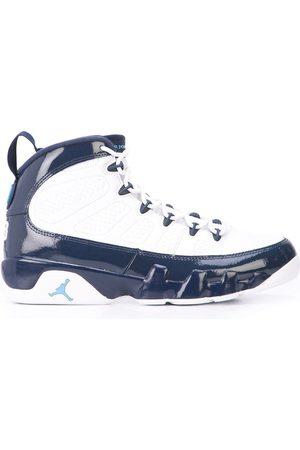 Jordan Zapatillas con logo y efecto barnizado