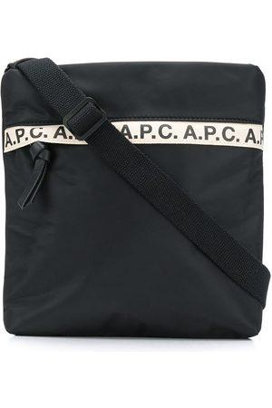 A.P.C Bolso messenger con raya con logo