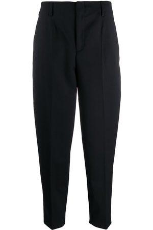 Filippa K Pantalones tapered Karlie estilo capri