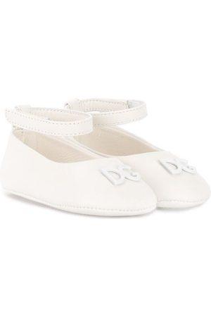 Dolce & Gabbana Zapatos de tacón con logo DG