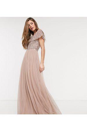 Maya Tall Vestido largo de tul de dama de honor con escote Bardot con lentejuelas delicadas a tono en rosado topo de -Marrón