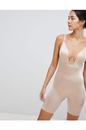 Spanx Body reductor a medio muslo con espalda baja en beis Suit Your Fancy de