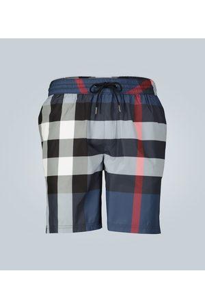 Burberry Shorts de baño con estampado