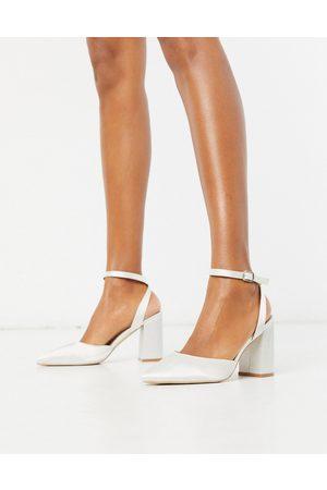 Be Mine Zapatos de tacón cuadrado de novia de satén color marfil Neima de -Blanco