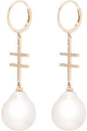 BY PARIAH Pendientes Double Cross en oro amarillo de 14kt con diamantes y perlas