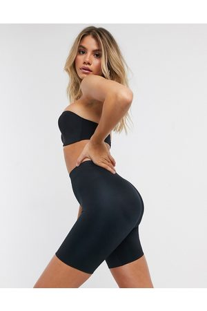 Spanx Pantalones cortos moldeadores en negro Suit Your Fancy Butt Enhancer de