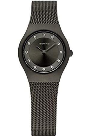 Bering Reloj Analógico para Mujer de Cuarzo con Correa en Acero Inoxidable 11923-222