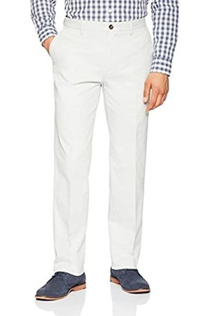 Amazon Classic-fit Wrinkle-Resistant Flat-Front Chino Pant Pantalones
