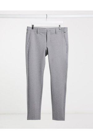 Only & Sons Pantalones de vestir grises elásticos con rayas finas de