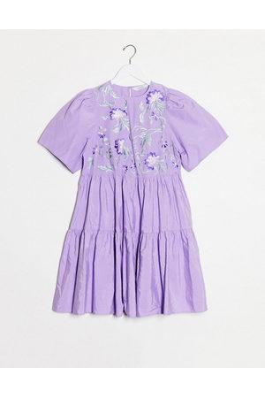 & OTHER STORIES Vestido corto a capas con bordado en lila de -Violeta