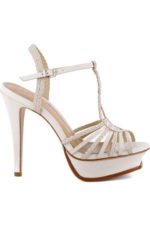 Schutz Sandalias Sandálias Stripe Pearl para mujer