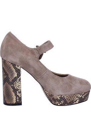 Emanuélle vee Zapatos de tacón de salón gamuza BX385 para mujer
