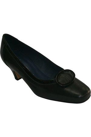 Pomares Vazquez Bailarinas Zapato tacón medio con adorno cuadrado para mujer