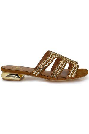 Exé Shoes Sandalias SANDALIA PLANA TAN CON REMACHES HY-157553C para mujer