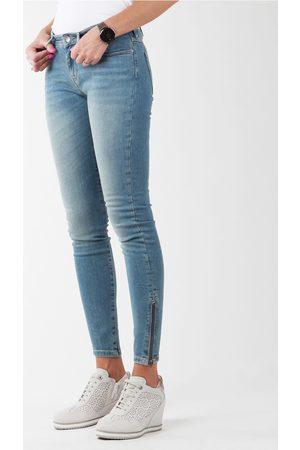 Wrangler Jeans Skylark W27F4072F para mujer